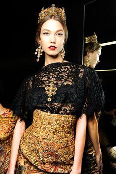 #KarlieKloss #backstage @ Dolce & Gabbana F/W 2013, Milan Fashion Week