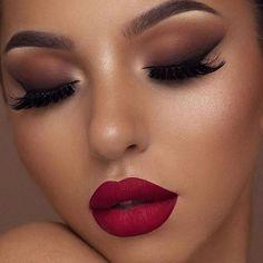 Uauuu @swetlanapetuhova 💋💄 #maquigem #maquiagemtop #makeup #makeuplover #hudabeauty #makediva #batomvermelho #vegas_nay