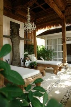 Looking for a luxury private villa in Bali? We have hand-picked a large selection of the best private Bali villas. Bali House, Tropical Houses, Tropical Decor, Indoor Outdoor Living, Outdoor Rooms, Outdoor Furniture, Porches, Balinese Decor, Estilo Colonial