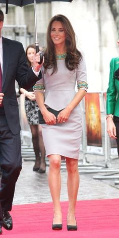 Love her style; want this dress. Super classy and elegant.