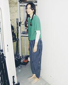 Liven Up ファッションモデルである松岡モナさんは、世界中のファッション業界人から注目を浴びている。  コレクションや撮影で世界中を飛び回る彼女だが、撮影の時も笑顔を忘れない。 撮影の合間には、彼女の大好きなダンスで現場の空気を盛り上げていた。#styldby #DressNormal