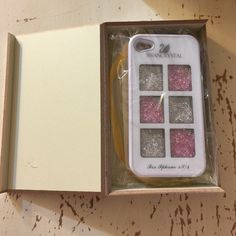 iPhone 4/4s crystal phone case with box. iPhone 4/4s crystal phone case with box. Great condition, see photos. Iphone 4/4s Accessories Phone Cases