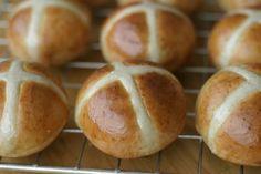 Engelske påskeboller (Hot cross buns)