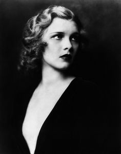 1929 photo of Drucilla Strain, legendary Ziegfeld Girl, by Alfred Cheney Johnston.  Her career spanned 1929-1946.