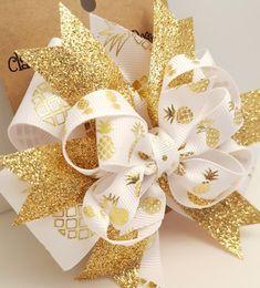 Arco metálico Oro piña arco - Aloha piña 4 pulgadas lujo blanco & oro proa molinete en Cocodrilo clip blanco y oro pelo de chicas de verano