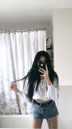 Black Hair Aesthetic, Aesthetic Girl, Ulzzang Korean Girl, Cute Korean Girl, Jay Park, Crop Top Outfits, Outfits With Hats, Vneck Outfit, Girly Pictures