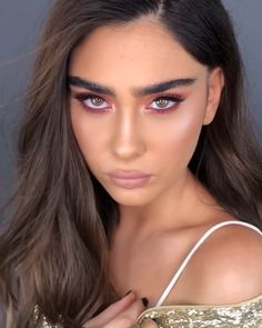 Glam it up with make-up artist Pazit Horesh-Saig, observe the complete how-to video to get the look. Prom Makeup Looks, Glam Makeup Look, Pretty Makeup, Casual Makeup, Simple Makeup, Edgy Makeup, Formal Makeup, Dramatic Makeup, Creative Makeup