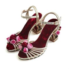 2017 summer New high quality Luxury Retro Mary Janes Gold Laciness Gems  Flower Embellished Cage Heel Women s flowers Party Shoes-in Women s Sandals  from ... 623b84ed9b9e