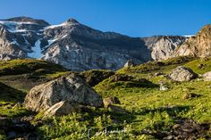 Wanderung vom Klausenpass zum Griesslisee beim Claridengletscher › 2CoinsTravel Half Dome, Mountains, Nature, Travel, Waterfall, Naturaleza, Voyage, Trips, Traveling