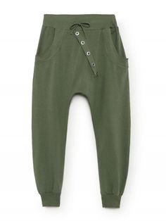 Joli survêtement kaki chic pour femme made in italy. Jogging en coton vert  kaki coupe c784af59c0e