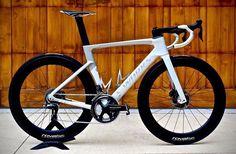 Road Cycling, Cycling Bikes, Bici Fixed, Performance Bike, Bike Design, Road Bikes, Bike Life, Triathlon, Mountain Biking