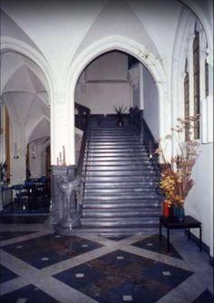 Original white ceiling.. Chateau de Noisy