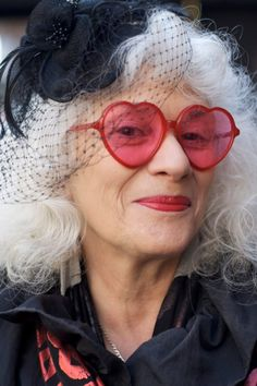 """thestylishtype: """" ernieandirene: """" sassy lady from one of my newest daily reads ADVANCED STYLE """" Be stylish at any age! Heart Glasses, Advanced Style, Aged To Perfection, Young At Heart, Ageless Beauty, Aging Gracefully, Silver Hair, Getting Old, Old Women"""