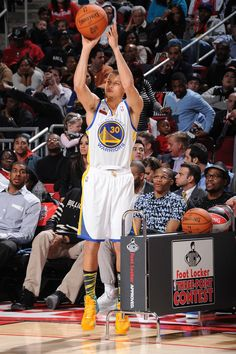 Stephen Curry started slow but finished strong in the 2013 Foot Locker Three-Point Contest.