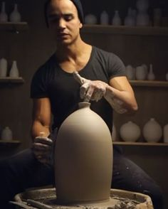 This flawless narrow-necked vase by Eric Landon. Ceramic Tools, Ceramic Clay, Porcelain Ceramics, Ceramic Artists, Ceramic Pottery, Ceramic Techniques, Pottery Techniques, Ceramics Projects, Clay Projects