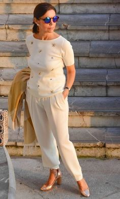 Oi gente, classy outfits for women, casual work outfits, classy women, chic Classy Outfits For Women, Womens Fashion Casual Summer, Fashion For Women Over 40, Casual Work Outfits, Black Women Fashion, Fashion Over 50, Classy Women, Stylish Outfits, Fashion Outfits