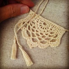 Crochet Chart for Half-Lotus Bunting #freecrochetpattern and tutorial | Acorn to Oak