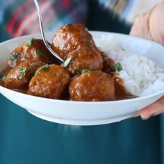 30 Minute Vegetarian Meatballs 30 Minute Vegetarian Meatballs cauliflower quinoa brown rice garlic and spices. SUPER versatile recipe makes a huge batch so you can stockpile them in your freezer for easy meals later! Source by pinchofyum Veggie Dishes, Veggie Recipes, Whole Food Recipes, Cooking Recipes, Healthy Recipes, Vegetarian Recipes Videos, Dinner Recipes, Tasty Vegetarian Meals, Salad Recipes