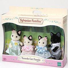 SYLVANIAN-Families-Tuxedo-Cat-Family-Figures-5181