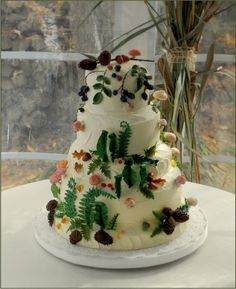 Autumn Woodland Wedding Cake -a organic natural feel!! What a masterpiece!!