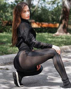 Hottest Models, Hottest Photos, 1000 Calorie Workout, Girls In Leggings, Body Inspiration, Bra Tops, Female Bodies, Leather Pants, Vestidos