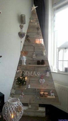 Nice 50 Totally Unique Christmas Tree Ideas for Inspiration https://roomaniac.com/50-totally-unique-christmas-tree-ideas-inspiration/