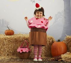 Check out this Cupcake Costume from Pottery Barn Kids and more Halloween Costumes for Kids featured on Sweet Peas & Stilettos :: Sweet Peas & Stilettos Costume Cupcake, Cupcake Halloween Costumes, Toddler Halloween Costumes, Halloween Items, Halloween Party, Halloween Decorations, Cake Costume, Food Costumes, Costume Ideas