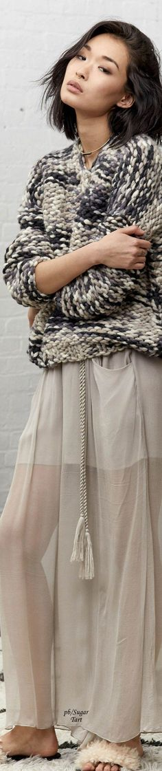HouzDeco – Interior Design and Home Decor Ideas Knit Fashion, Sweater Fashion, Fashion 2017, Fashion Looks, Big Knits, Mohair Sweater, Knitting Designs, Pulls, Knitwear