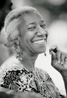 Edna Lewis inspired a generation of young African American chefs and ensured traditional Southern foods and preparations would live forever. Who Was Edna Lewis? Lewis was born in 1916 in Freeto. Beautiful Smile, Black Is Beautiful, Beautiful People, Pretty People, Just Smile, Smile Face, Foto Face, Model Tips, Portraits