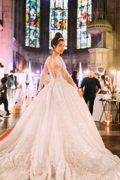 Bridal Catwalk auf der Magic Moments Hochzeitsmesse in der Elisabethenkirche Basel.  9. + 10. November 2019 Lace Wedding, Wedding Dresses, Basel, November, Fashion, Wedding Dress Lace, Switzerland, Gown Wedding, Curve Dresses