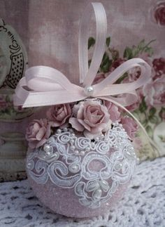 Here are the best Shabby Chic Christmas Decor ideas that'll give your room a romatic touch. From Pink Christmas Tree to Shabby Chic Christmas Ornaments etc Pink Christmas Ornaments, Noel Christmas, Handmade Christmas, Diy Lace Ornaments, Shabby Chic Christmas Decorations, Homemade Ornaments, Christmas Mantels, Elegant Christmas, Vintage Ornaments