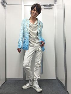 今日も「MAMORU MIYANO LIVE TOUR 2015-16 ~GENERATING!~」の、おまけ写真、行ってみよう\(^o^)/と言うことで……みなさん……わたくし、…改めて、…衣装写真、撮ってきましたよぉーーーーーーーー\(