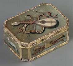 Snuffbox, Florence, circa 1800; sold for $ 200,000