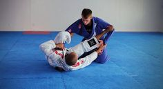 List of Submission & Grappling Techniques with Instructions. This section will help you to learn how to do many different submission techniques & counters such as the Guillotine Choke, Kimura Defense and Armbar from Guard. Also visit the Judo Techniques page for additional grappling techniques (i.e. throws, pins and joint locks).