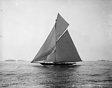 Valkyrie, October 1893 Henry G. Peabody, photographer New York Public Library, image ID 403655 Classic Sailing, Classic Yachts, Yacht Week, Yacht Builders, Sailing Trips, Sailing Yachts, Boat Fashion, Wooden Boats, Paisajes