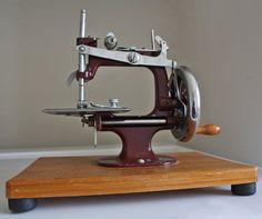 Essex toy sewing machine
