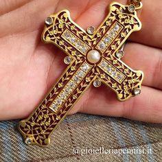 My favourite Art Nouveau cross-pendant. Yellow gold, diamond, pearl and plique a' jour enamel.