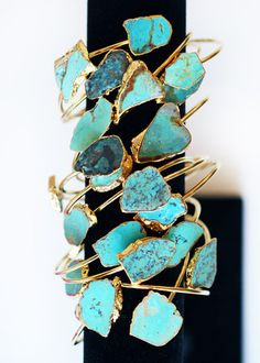 Stunning wrap cuff made with two one of a kind raw turquoise stones set in a gold electroplated band. 24k Gold Jewelry, I Love Jewelry, Turquoise Jewelry, Jewelery, Jewelry Design, Jewelry Accessories, Fashion Accessories, Southwest Jewelry, Turquoise Cuff