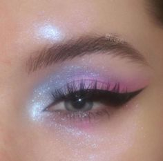 Edgy Makeup, Makeup Eye Looks, Eye Makeup Art, Pretty Makeup, Skin Makeup, Eyeshadow Makeup, Fairy Eye Makeup, Gorgeous Makeup, Eye Makeup Designs