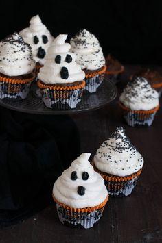 Receta para celebrar Halloween con los más pequeños de la casa. Receta muy fácil con ingredientes sencillos. Paso a paso y con fotografías.