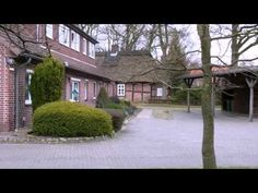Pension Klaashof - Schneverdingen - Visit http://germanhotelstv.com/pension-klaashof A 10-minute walk from the centre of Schneverdingen on the edge of the beautiful Lüneburg Heath nature reserve this privately run guest house provides cosy rooms with breakfast buffet included. -http://youtu.be/zs8W6ajfXag