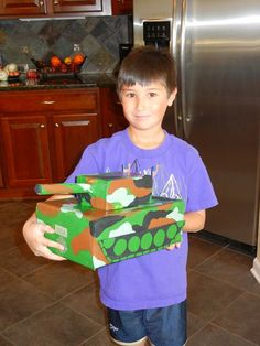 kids school valentine boxes | ... his Tank - pull up on the gun and the slot opens for the valentines