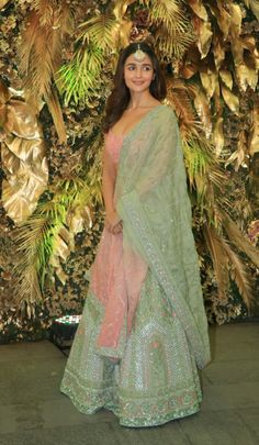 Bollywood fashion 709457747539201720 - All Eyes Are On Alia Bhatt In A Gorgeous Pastel Lehenga Source by khalidmahnur Party Wear Indian Dresses, Indian Gowns Dresses, Indian Bridal Outfits, Dress Indian Style, Indian Fashion Dresses, Indian Designer Outfits, Bollywood Outfits, Bollywood Fashion, Bollywood Celebrities