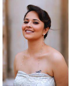 Bollywood Actress Hot Photos, Bollywood Girls, Actress Photos, Indian Film Actress, South Indian Actress, Beauty Full Girl, Beauty Women, Erica Fernandes Hot, Sweet Girl Photo
