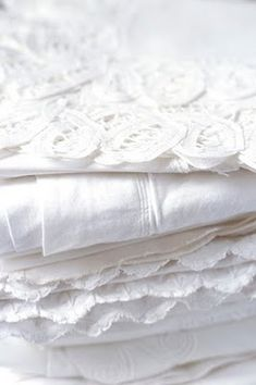 Crisp white linens - you just can't beat them especially after a day on the line in the sun and fresh breezes!