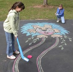 This is a fun take on chalk art! Play mini golf at home! Make your own golf course using Crayola Sidewalk Chalk and lots of your imagination. Activities To Do, Summer Activities, Outdoor Activities, Golf Crafts, Outdoor Games For Kids, Outdoor Play, Fun Games, Awesome Games, Summer Kids