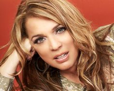 Ednita Nazario (born April in Ponce, Puerto Rico) is a Puerto Rican singer and songwriter who has achieved stardom both at home and abroad. She has been in the music business from a young age, and has released over twenty albums throughout her career. Puerto Rican Music, Puerto Rican Singers, Puerto Rico Island, Puerto Rico Food, Puerto Rican People, Famous Latinos, Puerto Rican Cuisine, Divas, Puerto Rico History