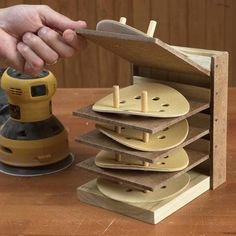 Flip-Up Sanding Disc Caddy Woodworking Plan, Workshop & Jigs Shop Cabinets, Storage, & Organizers Workshop Popular Woodworking, Fine Woodworking, Woodworking Crafts, Woodworking Articles, Woodworking Magazine, Custom Woodworking, Grizzly Woodworking, Youtube Woodworking, Woodworking Workbench