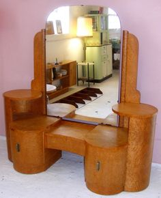 Antique vanity table — Pixy Home Decor Plywood Furniture, Retro Furniture, Unique Furniture, Furniture Decor, Antique Vanity Table, Vanity Tables, Vintage Vanity, Art Deco Dressing Table, Dressing Tables