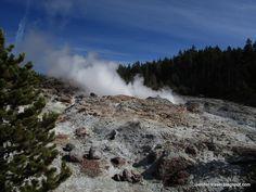 Steamboat Geyser. Norris Geyser Basin. Yellowstone National Park, WY (Самый высокий в мире действующий гейзер - Стимбоат Гейзер. Йеллоустоун, Вайоминг)